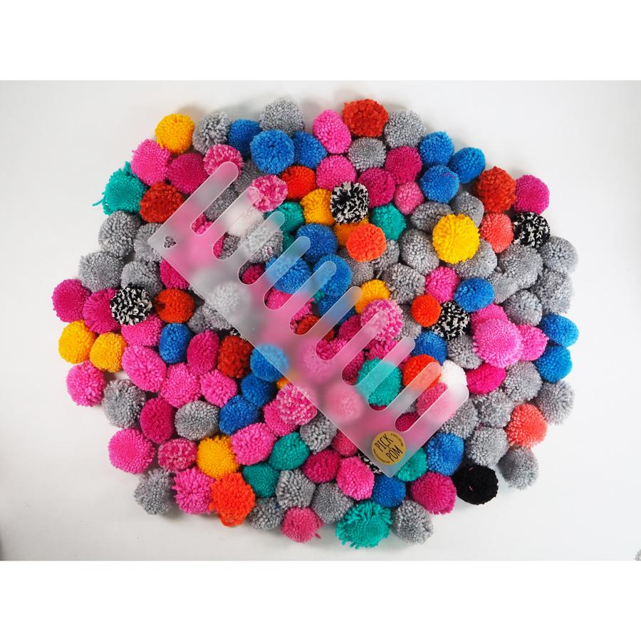 pick pom pompom maker wollerei yarn store. Black Bedroom Furniture Sets. Home Design Ideas
